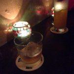 野毛の立ち飲みバー「日の出理容院」。野毛の街に溶け込んだ酒場、目立たないにも程がある