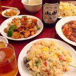 朝9時からオープンしている中華街の食堂、龍城飯店でランチビールを