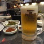 大久保の韓国料理屋「東京 赤い屋台」で一杯!骨付きカルビでビールをキューっと