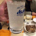 浅草橋の「西口やきとん広場」で乾杯!日曜日でも楽しめるとろっとろの皿なんこつ