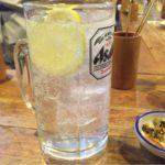 歌舞伎町の「やきとり番番」で乾杯!250円の濃い酎ハイと生野菜サラダ