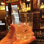 渋谷、宮益坂の英国風パブ「82 ALE HOUSE」で乾杯!渋谷の〆を330円のウイスキーロックで