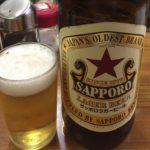 渋谷・神山町の立ち飲み「丸木屋商店」で乾杯!酒屋が営む赤星の飲める店