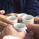 赤羽の居酒屋「まるよし」で乾杯/名物きゃべ玉を熱燗で