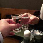 新子安の居酒屋「きしや」で乾杯/名物「もつ鍋」と熱燗で冬を楽しむ