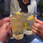 蒲田の立ち飲み「豚番長」で乾杯/気さくな店員さんと陽気なご常連さんと