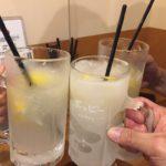 四谷の角打ち「スタンドバーサカグチ」で乾杯/スノースタイルのシャリシャリレモンサワー