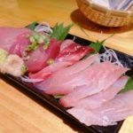 【亀戸】『立ち呑みサーモン 亀三』刺し盛りと東北の日本酒